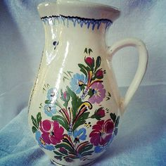 vintage hungarian folk art pottery pitcher craving for a wild flower bouquet!