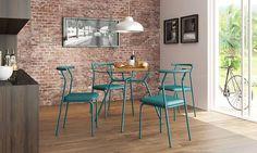 Sala de Jantar com mesa redonda com tampo de vidro. Clique na imagem para saber mais.