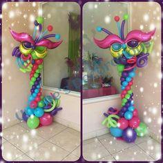 Decoração com balões festa de carnaval