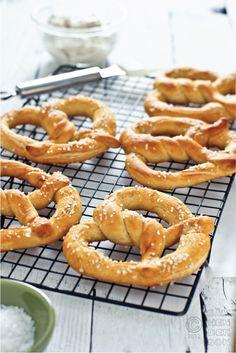 Hot, fresh pretzels and garlic dip recipe