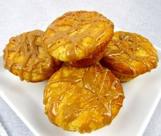 Looking for a sweet and satisfying healthy muffin? Try these Keto friendly muffins made with salted caramel and collagen. High Protein Low Carb, High Protein Recipes, Protein Foods, Low Carb Recipes, Snack Recipes, Salted Caramel Cheesecake, Salted Caramel Sauce, Caramel Flavoring, Keto Breakfast Muffins