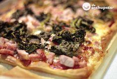 Pizza gallega con Lacón con grelos, cachelos y queixo de Arzúo-Ulloa. Olvidaros de las clásicas pizza con lo de siempre e improvisad con lo que tengáis en la nevera. Con estos ingredientes la combinación es deliciosa.