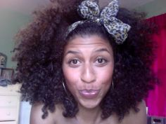 pretty #naturalhair curls with bow