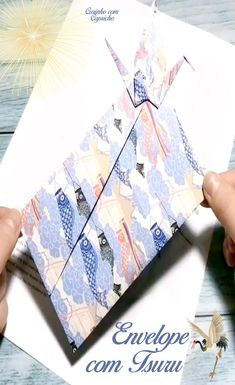 Envelope Origami, Instruções Origami, Origami And Kirigami, Origami Folding, Paper Crafts Origami, Origami Wallet, Diy Envelope, Diy Crafts Hacks, Diy Crafts For Gifts