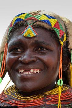 Africa | Portrait of a Mumuhuila woman - Angola | © Roland Vriesema
