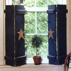 FARMHOUSE – INTERIOR – early american decor inside this vintage farmhouse seems perfect, like these country wood shutters with primitive stars. Primitive Bedroom, Primitive Bathrooms, Primitive Homes, Primitive Furniture, Primitive Crafts, Country Primitive, Primitive Windows, Primitive Christmas, Primitive Snowmen