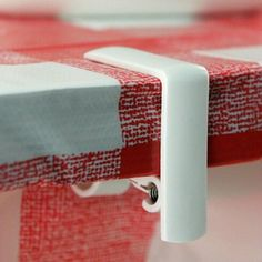 Free Shipping 4Pcs Table Cloth Cover Holder Spring Loaded Tablecloth Clamp Clips