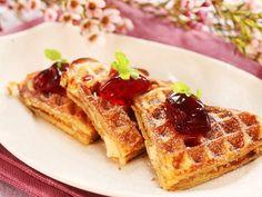 Vafler med havregryn - Kos - Oppskrifter - MatPrat Breakfast, Desserts, Food, Drinks, Morning Coffee, Tailgate Desserts, Drinking, Deserts, Beverages