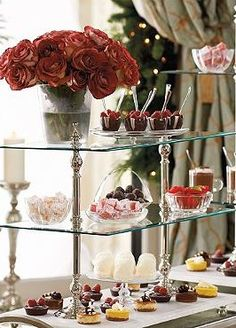 Proudly display your appetizers, finger foods and other entertaining fare during all your parties with the elegant Entertaining Etagere; a European-inspired piece perfect for convenient entertaining.