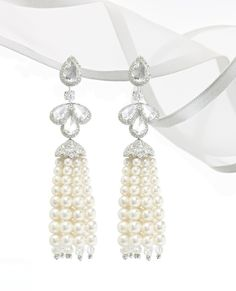David Morris Pearl tassel earrings in 18kt white gold with 5.50ct rose cut diamonds, 11.86ct brilliant cut diamonds and 105.50ct pearl tassels