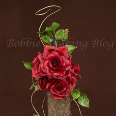 Take Your Sugar Rose to Ultimate Level, the Calyx and Rose Hip Part 4 Fondant Flowers, Edible Flowers, Sugar Flowers, Fondant Tips, Fondant Tutorial, Rose Icing, Rose Video, Sugar Rose, Chocolate Flowers