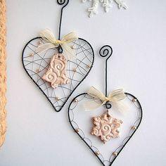 ZUDOS / srdiečko s perličkami a keramikou