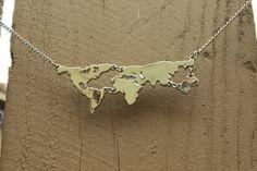 Wereld kaart ketting zilver