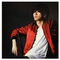 BUMP OF CHICKEN 藤原基央 Fuji, Japanese, Chicken, My Favorite Things, Musicians, Bands, Japanese Language, Band, Band Memes