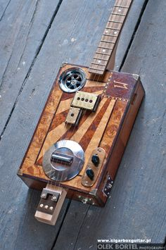 Miku 4 Splendid #0010 cigar box guitar