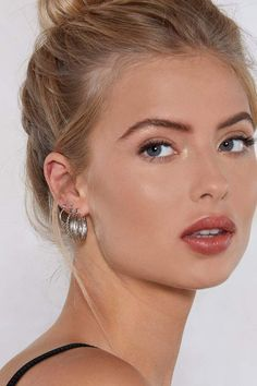Nasty Gal One's Company Hoop Earring Set