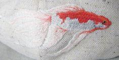 Amazing embroidery by super talented Hiroko Kubota.  http://gogo5hiroko.blog28.fc2.com/