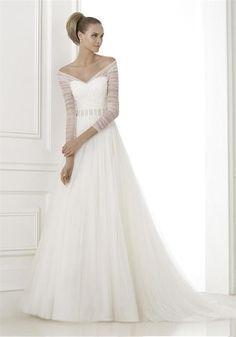 Pronovias Berila 12UK Off White | McElhinneys Bridal Rooms