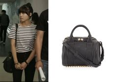 "Jung Eun-Ji in ""Trot Lovers"" Episode 5.  Alexander Wang Rockie Bag #Kdrama #TrotLovers #트로트의연인 #JungEunJi #정은지"