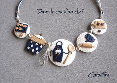 Collier original et amusant thème pâtisserie en pâte polymère blanc, bleu, chocolat et beige idéal pour les gourmandes ou les patissières