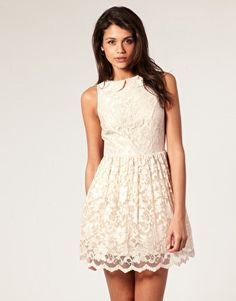 Love this lace dress, so pretty!