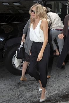 Sienna Miller - Sienna Miller Arrives at the Premiere of G.I. Joe