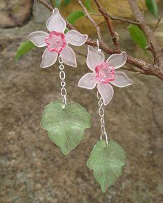 Daffodil  Earrings flower dangle earrings in by ArtifactsEtCetera, $25.00