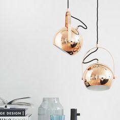 Frandsen Ball Handle Pendelleuchte könnt ihr bei http://www.flinders.de/frandsen/ kaufen