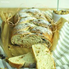 Treccia di pan brioche al muesli http://blog.giallozafferano.it/passionecooking/treccia-pan-brioche-muesli/
