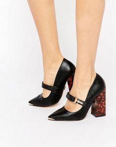 Lost Ink Daphne Flared Block Heel Buckle Shoes