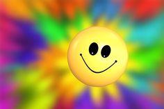 Chaque fois qu'un homme sourit, il ajoute un fil à la trame trop courte de son…