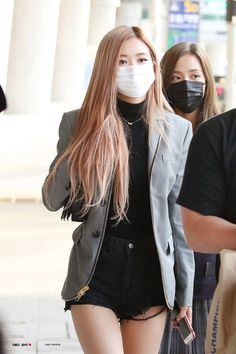 Kim Jennie, Jenny Kim, Blackpink Fashion, Korean Fashion, Kpop Outfits, Cute Outfits, Kpop Mode, Black Pink Kpop, Rose Bonbon