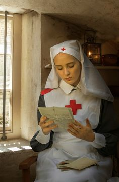 - Back of Red Cross Nurse Professional Nurse, Nurse Art, Hello Nurse, Look At The Moon, Vintage Nurse, Nurse Life, Red Cross, Vintage Images, Illustration Art