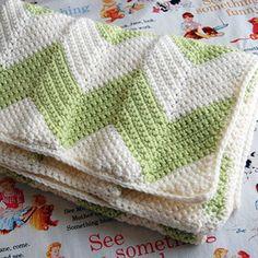 FREE crochet chevron baby blanket pattern with a straight edge ~ great baby | http://cuteblankets.blogspot.com