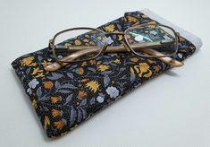Botanical Print Glasses Case (Ref 0168) £6.95