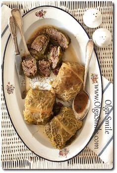 Wegetariańskie gołąbki z kaszy gryczanej czerwonej fasoli, grzybów suszonych i pieczarek