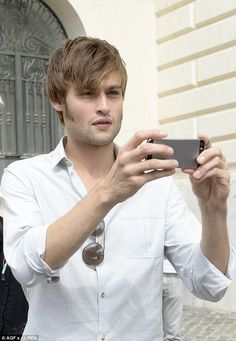 Which way does this work? Douglas looked bemused while trying to use an iPhone. Douglas Booth, Boy Pictures, Celebrity, Hollywood, Iphone, Simple, Boys, Men, Boy Photos
