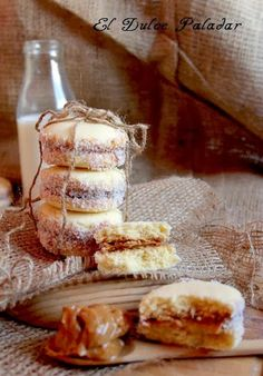 El dulce paladar Alfajor Argentino relleno de dulce de leche