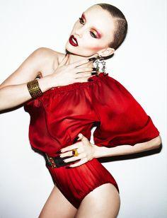 nuridroes:  ModelAmberlie Anderson in red!