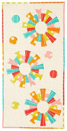 Love the Dresden Plate Modern Take. Dresden Plate Patterns, Dresden Plate Quilts, Quilt Patterns, Circle Quilts, Quilt Blocks, Hexagon Quilt, Small Quilts, Mini Quilts, Quilting Projects