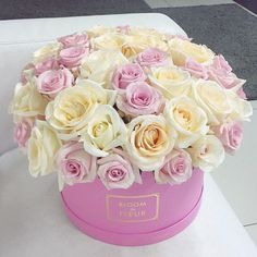 Gorgeous roses in pink box~♡~