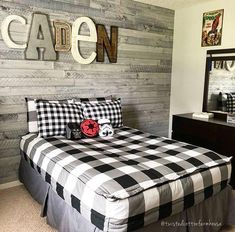 All Checked Out Beddy's is a great design for a teen boy bedroom! Just add a few simple accessories and you have the perfectly styled bedroom! Thanks for this awesome pic. Teen Boys Room Decor, Blue Teen Girl Bedroom, Teen Boy Bedding, Teen Boy Rooms, Boys Bedroom Decor, Bedroom Themes, Bedroom Colors, Bedroom Furniture, Big Boy Bedrooms