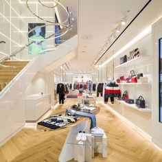 rpa:group's Interior Architecture division has designed Tommy Hilfiger's re-opened premium concept store on Amsterdam's Hoofstraat. Tommy Hilfiger Store, Tommy Hilfiger Fashion, Tommy Store, Light Oak Floors, Interior Architecture, Interior Design, Hanging Rail, Art Deco Period, White Space