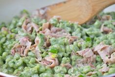 Spinach spaetzle with ham - recipe - Spinach spaetzle with ham is a fine and popular recipe. A main course that tastes great for the who - Oven Roasted Chicken Thighs, Oven Baked Chicken Thighs, Crispy Oven Baked Chicken, Chicken Strip Recipes, Chicken Thigh Recipes, Baked Chicken Recipes, Parmesan Chicken Breast Recipe, Clean Eating Soup, Ham