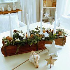 Christmas Advent Wreath, Winter Christmas, Decor Crafts, Diy And Crafts, Home Decor, Advent Candles, Christmas Arrangements, Boho Living Room, Bohemian Decor