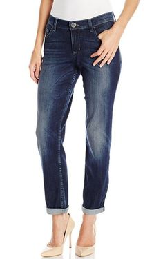For most of us, boyfriend jeans can be a hard look to pull off. They look great on the hanger, but once we put them on we feel like a potato sack or worse, an actual boy. If you have these thoughts from time to time, don't worry, because there are super...