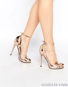Kadınların Vazgeçilmezi Yüksek Topuklu Ayakkabı Modelleri