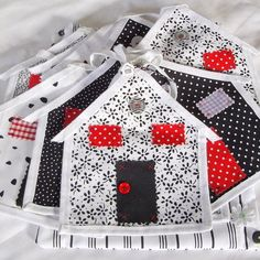 BUNTING UNUSUAL HOUSE DESIGN £20.00 from WHITEDAISIES