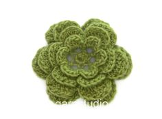How to crochet a flower for the wreath in DROPS Extra 0-1193