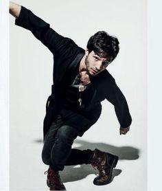 Low-key obsessed with Ezra Miller. Ezra Miller, Most Beautiful Man, Beautiful People, Dc Comics, Pretty Men, Hot Guys, Hot Men, Actors & Actresses, Handsome
